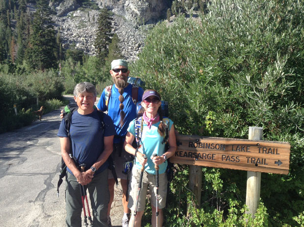 Heading back to the JMT via Kearsarge Pass after two relaxing zero days.